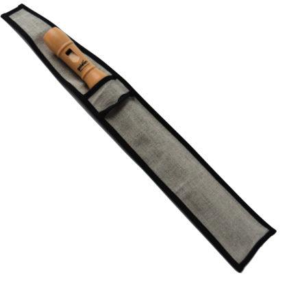 En god træblokfløjte i sin taske