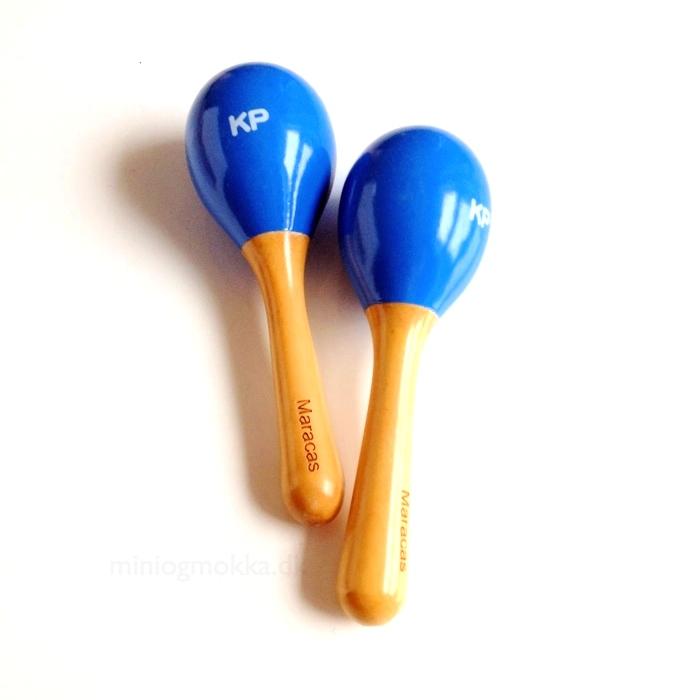 to babymaracas i blå