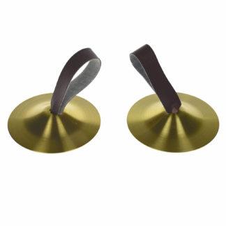 2 fingerbækkener i messing med lædersnor