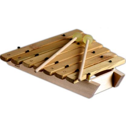 Der følger 2 køller med til xylofonen