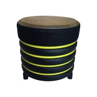 Tromme i gul og sort plast med naturskind