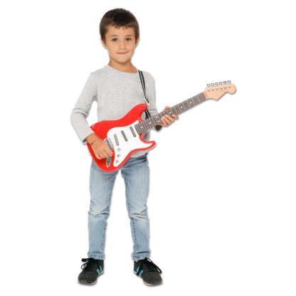 Dreng med legetøjsguitar