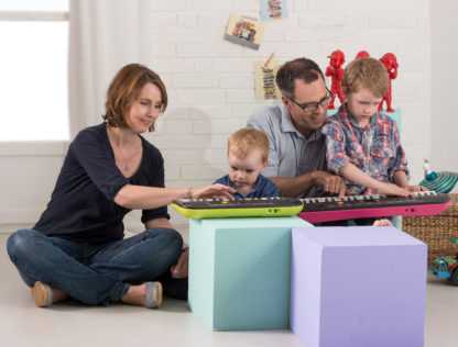 Hele familien spiller musik